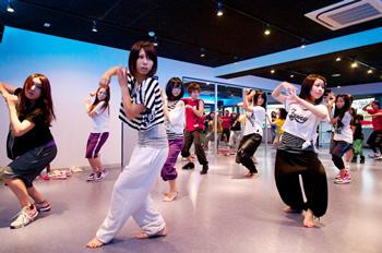 ダンス教室は儲かる《起業資金を投資します》