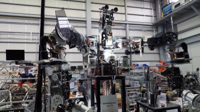 ロボット開発のエンジニア《起業資金を投資します》